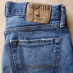 Hollister jean for man stragth leg good conditoons